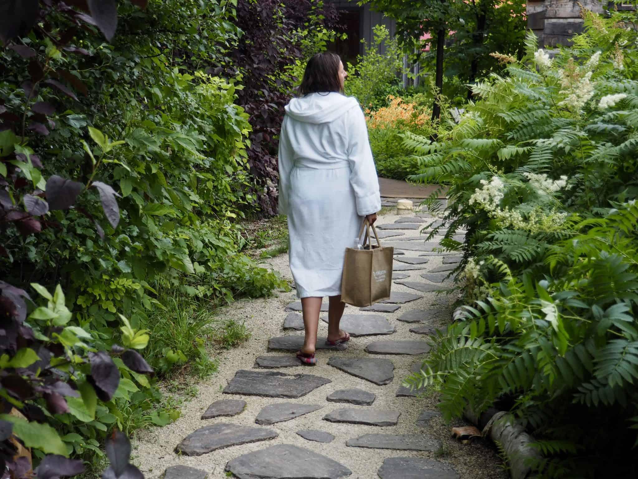 couples getaway Scandinave spa