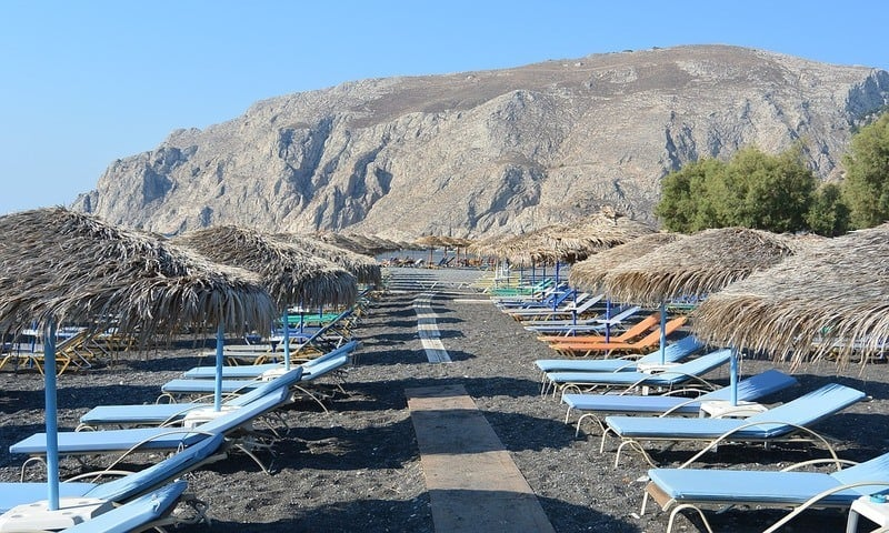 Looking for the best Santorini beaches? Santorini offers some of the finest beaches in the Aegean Sea with black volcanic sand and deep blue waters. Here are the Top Beaches in Santorini, Greece