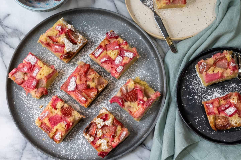 rhubarb strawberry almond bars gluten free, paleo, low carb