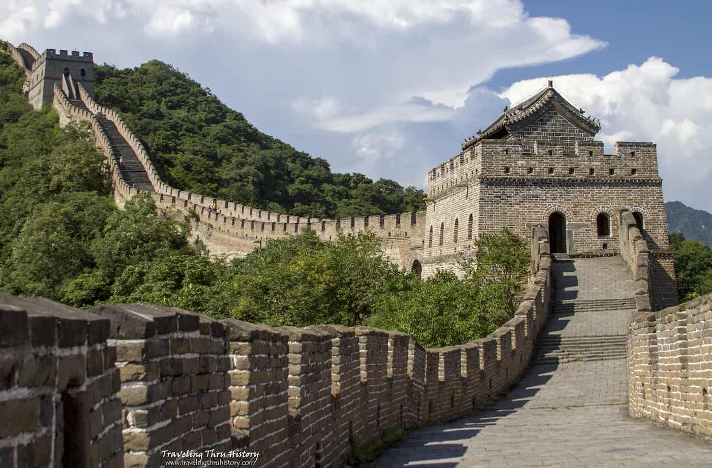 Here are the must-see historical places around the world to add to your bucket list. Historical landmarks | historical site| visit a historical place| historical places of the world| historical buildings| Historic site| Historical information|