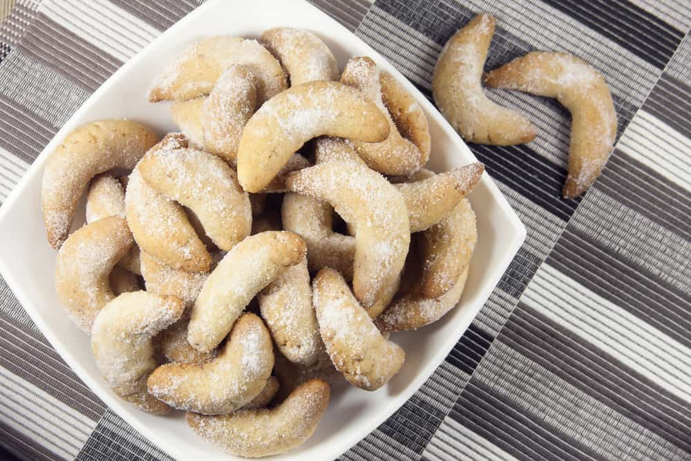 vanillekipferl rezept vanillekipferl vanillekipferln vanille gipfel vanillekipferl rezept vanillekipferl rezepte kipferl rezept vanillekipferl vanillekipferl recipe austrian cookies austrian cookies christmas vanilla crescent cookies austrian christmas cookies austrian cookie recipes kipfel cookies german crescent cookies kipferl biscuits austrian christmas cookies recipes almond crescent cookie german vanilla cookies german almond cookies german vanilla crescent cookies crescent moon cookies crescent almond cookies kipferl cookie recipe kipferl recept